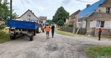 Bobrowniki: Ogrodowa asfaltowa. Ruszyła przebudowa ulicy